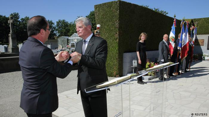 Gauck und Hollande in Oradour-sur-Glane September 2013 (REUTERS)
