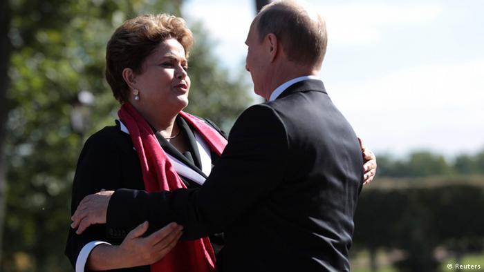 Gratwanderung: Brasiliens Präsidentin Dilma Rousseff und Russlands Staatschef Wladimir Putin, hier beim BRICS-Treffen im September 2013 (Foto: Reuters)