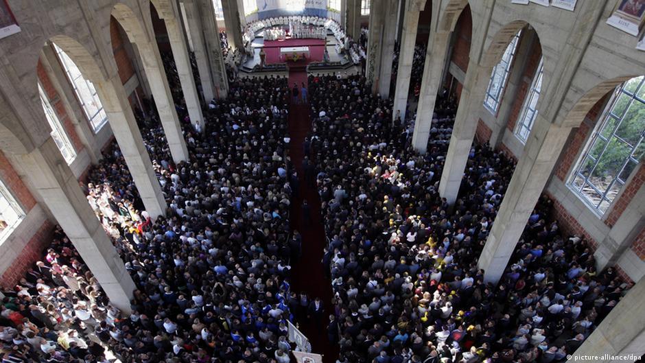 Pjesëmarrje e madhe në katedralen e Prishtinës