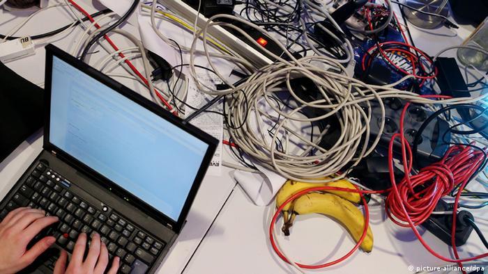 Компьютер и компьютерные кабели