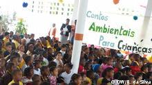 Titel:Schüler sehen ein Theaterstück präsentiert von Schüler über Umweltschutz Schlagworte: Mosambik, Centro Terra Viva, Umweltschutz Ort: Maputo, Mosambik Fotograf: Romeu da Silva Datum: 5 September 2013