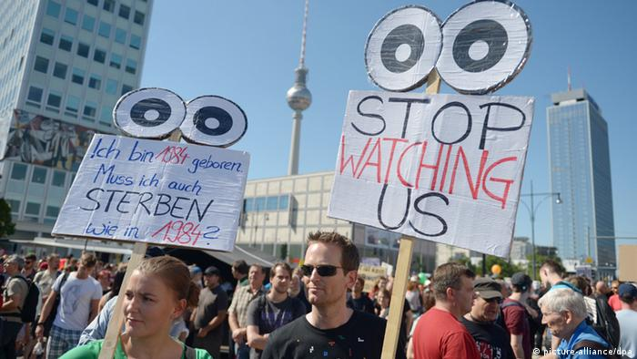 Demonstration Liberty instead of fear in Berlin for civic rights and data privacy (photo: Rainer Jensen/dpa)