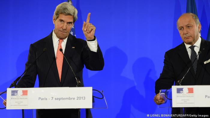 John Kerry na Laurent Fabius.