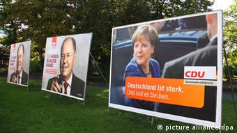 Election posters (photo: Wolfram Steinberg/dpa)
