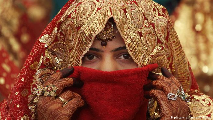 Symbolbild Indien Mitgift Massenhochzeit (picture alliance/AP Photo)