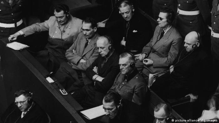 Rudolf Heß auf der Anklagebank in Nürnberg