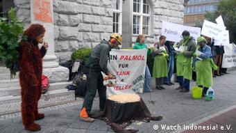 Demo gegen Palmöl Anbau in Berlin (Foto: DW)