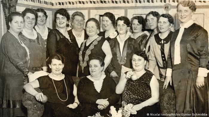 Clara Habermann (2. v. r.), Ende 1920er-Jahre