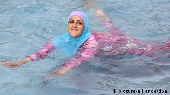 Deutschland Ganzkörper-Badeanzug für Musliminnen Burkini in Berlin