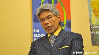 Mateo Lejarza, en la presentación del libro Las relacions México-Unión Europea en el marco del Acuerdo Global: un balance desde la sociedad civil mexicana, Bruselas, septiembre 11 de 2013