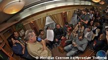 Auf den Fotos ist eine deutsch-ukrainische Dichterveranstaltung zu sehen. Die Lesung fand im September im Zug Czernowitz-Lemberg statt. Fotos wurden uns von den Organisatoren Literaturfestival Meridian Czernowitz zur Verfügung gestellt. Bitte auf den Fotos außer dem Festival Meridian Czernowitz auch den Namen des Fotografen Myroslaw Trofimuk erwähnen. Srtichwörter: Ukraine, Meridian Czernowitz, Dichter, Literatur. Danke!