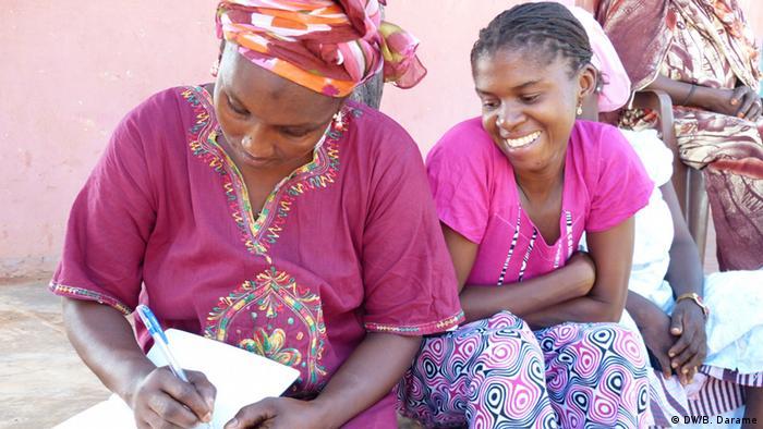 Resultado de imagem para moçambicanos analfabetos