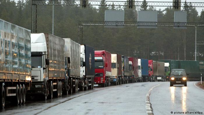 Большегрузные автомобили на российской границе