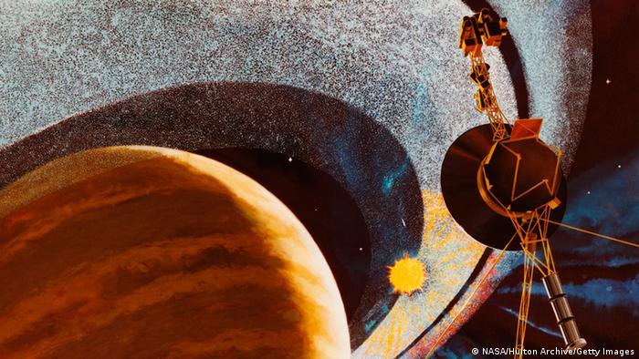 künstlerishce Darstellung eines Vorbeiflugs einer Sonde am Saturn (Foto: NASA/Hulton Archive/Getty Images)