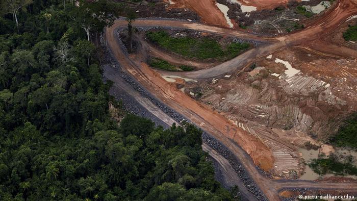 Área onde está sendo construída a usina de Belo Monte, perto de Altamira, no Pará