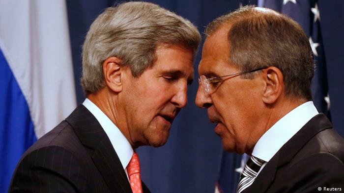U.S. Secretary of State John Kerry (L) and Russian Foreign Minister Sergei Lavrov shake hands after making statements following meetings regarding Syria, at a news conference in Geneva September 14, 2013. The United States and Russia have agreed on a proposal to eliminate Syria's chemical weapons arsenal, Kerry said on Saturday after nearly three days of talks with Lavrov. REUTERS/Larry Downing (SWITZERLAND - Tags: POLITICS CIVIL UNREST)