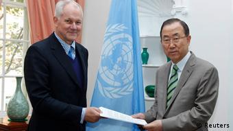 Ake Sellström und Ban Ki Moon (Foto: Reuters)