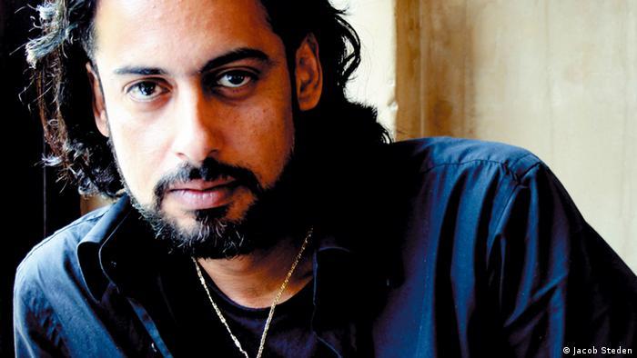 Portrait of author Abbas Khider Photo: Jacob Steden