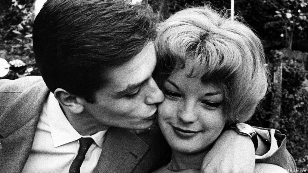 Alain Delon receives Cannes honorary Golden Palm prize