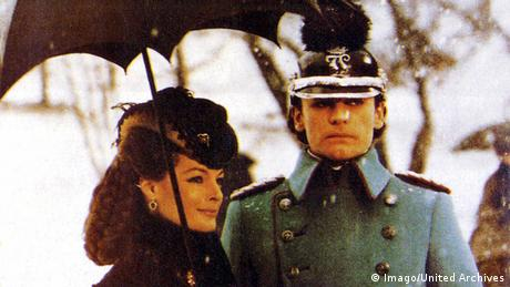 Romy Schneider in einer Filmszene mit Helmut Berger (Imago / United Archives)