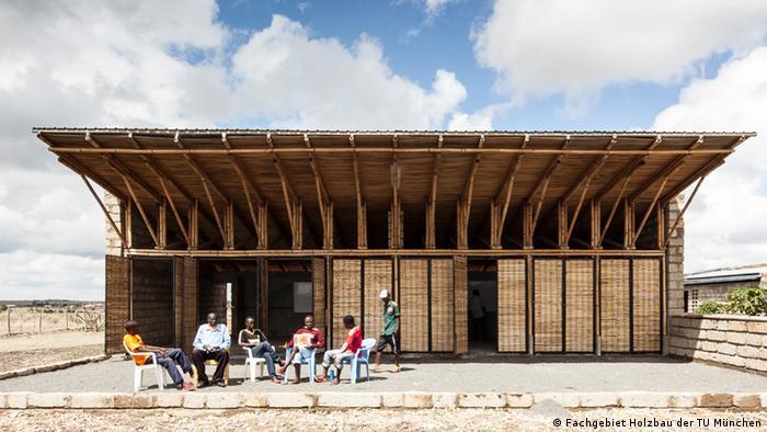 Ausstellung Afritecture - Bauen mit der Gemeinschaft Handwerksschule in Malaa bei Nairobi Kenia EINSCHRÄNKUNG