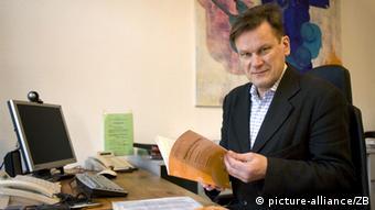 Stefan Willich im Portrait (Foto: Arno Burgi/dpa)