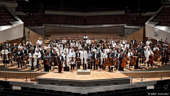 Das World Doctors Orchestra in der Berliner Philharmonie 2012 (Foto: Peer Schröder)