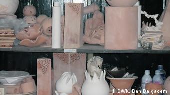 Les femmes fabriquent des objets artistiques ou artisanaux qu'elles vendent pour subvenir à leurs besoins (photo d'illustration)