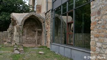 Reportage Kloster Volkenroda Reste des alten Kreuzgangs der Klosterkirsche Volkenroda, Thüringen, aufgenommen am 27. August, Fotograf: Michael Münz