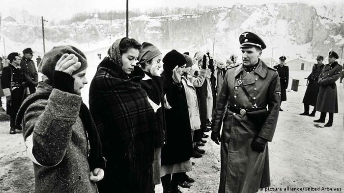Filmszene Schindlers Liste SS Kommandant Amon Göth