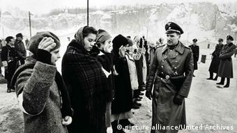A picture from Spielberg's movie Schindler's List (1993) Photo: picture alliance/United Archives