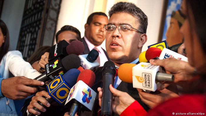 Venezuelan chancellor, Elias Jaua, denounces that US has denied a permission to the plane, in which will be travel president of Venezuela, Nicolas Maduro, to China, to overfly US air space, specifically over Puerto Rican territory, during a press conference media in Caracas, Venezuela, 19 September 2013. Jaua said that it will be 'taking measures' against this 'agression. EFE/MIGUEL GUTIERREZ
