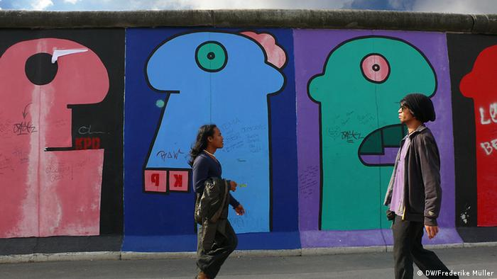 A tour of Berlin Wall Art