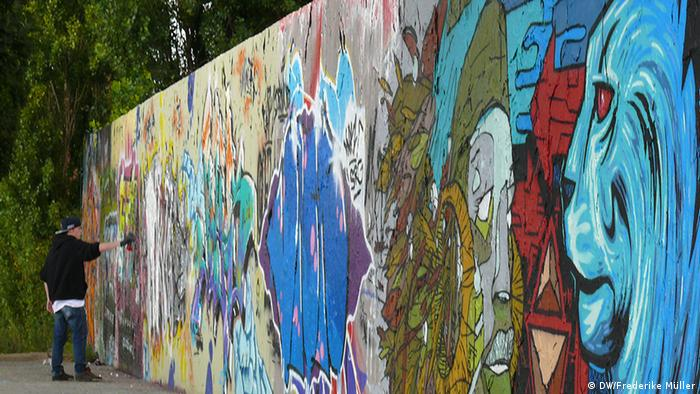 Picture Gallery: A tour of Berlin Wall Art