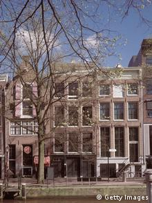 View of the front exterior of the Anne Frank House museum in Amsterdam, the Netherlands, circa 2000. Photo: Anne Frank House, Amsterdam/Getty Images