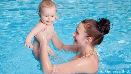 Babyschwimmen (Fotolia/detailblick)