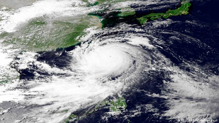 Super Typhoon Usagi is seen heading west-northwest between the Philippines and Taiwan through the Luzon Strait in this 0730 UTC (Photo: REUTERS/NOAA/Handout via Reuters)