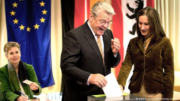 Bundestagswahl Deutschland 22.09.2013 Wahllokal Joachim Gauck (Foto: Getty)