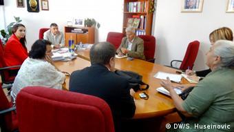 Bosnien und Herzegowina Staatsanwaltschaft und Vertreterinen der Opfer von Srebrenica