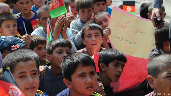 Afghanistan Protest vor dem Parlament 23.10.2013