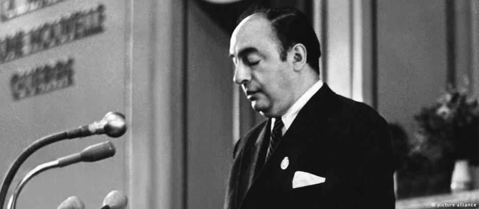 Neruda era  membro do Comitê Central do Partido Comunista no Chile