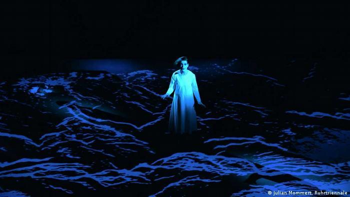 Сцена из оперы Девочка со спичками