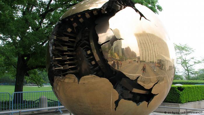 UN Skulptur Kugel