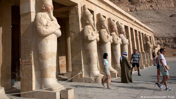 دعما للسياحة كانون تحتفل بنجاحها مع الشركاء داخل مدينة الاقصر