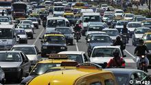 Argentinien Verkehr Stau in Buenos Aires Rush Hour auf der Avenida 9 de Julio
