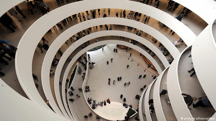 Guggenheim Museum in New York, EPA/JUSTIN LANE, (c) dpa - Report