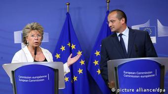 EU Justice Commissioner Viviane Reding (left) and Croatian Justice Minister Orsat