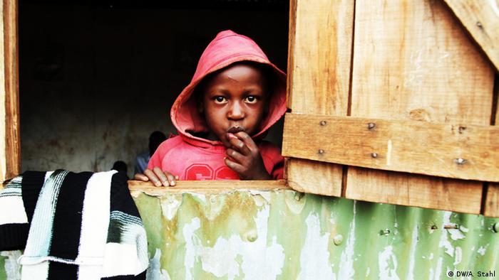 Slum Schule in Nairobi Kenia (copyright: DW/Andreas Stahl)