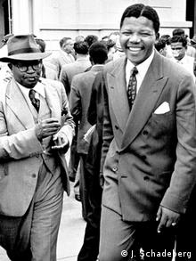 Nelson Mandela and a ANC official leave the court in 1958 Photo:Jürgen Schadeberg