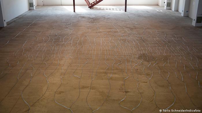 Obra Circulação, do artista alemão radicado nos Estados Unidos Hans Haacke é um dos destaques da mostra